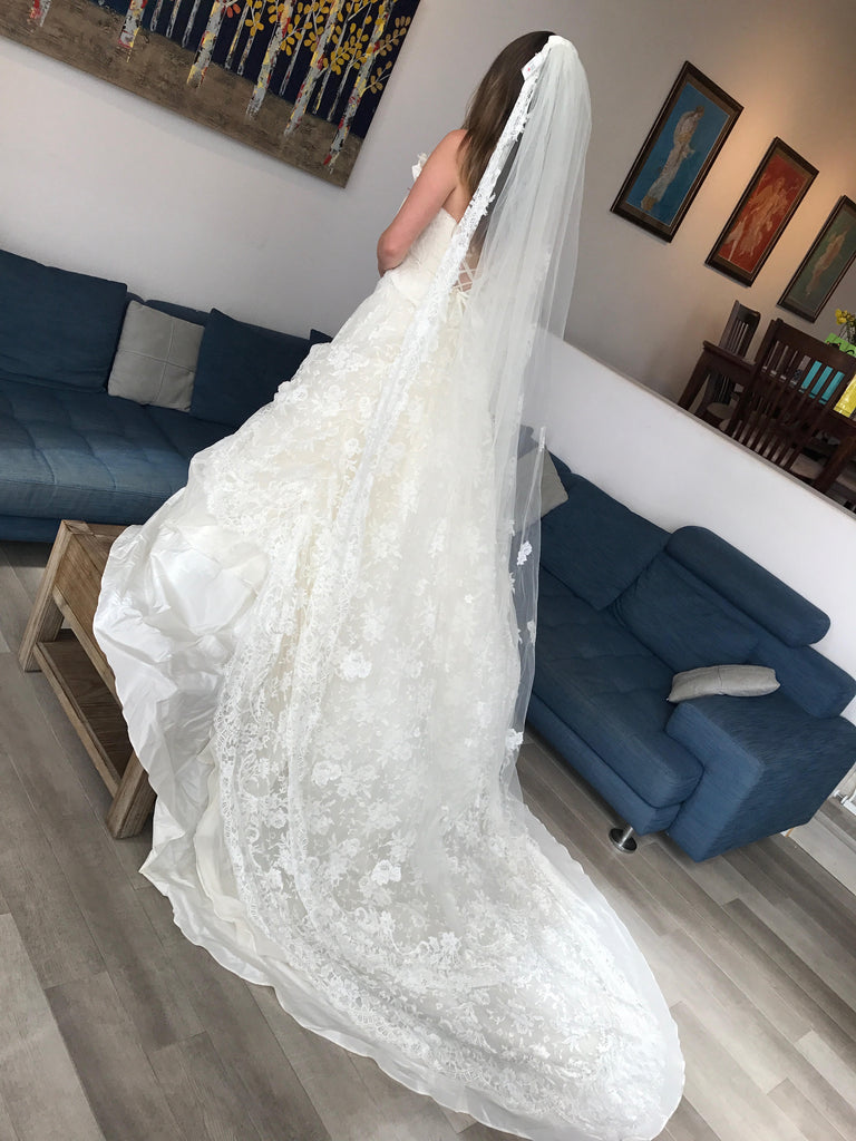 Atelier Aimee 'Alta Moda Saposa' size 0 new wedding dress side view on bride