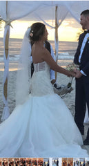 Vera Wang White 'Lace Trumpet' size 4 used wedding dress back view on bride