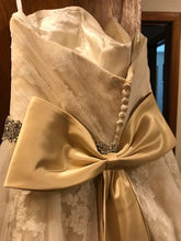 Load image into Gallery viewer, Da Vinci '50231' size 12 used wedding dress back view on hanger
