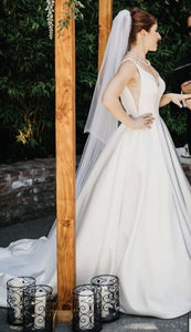 Moonlight 'J6503' size 4 used wedding dress side view on bride