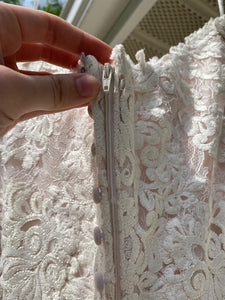 Essence Of Australia 'Moscato 6257' size 6 used wedding dress view of zipper