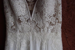 Pronovias 'Escala' size 4 used wedding dress front view close up