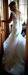 Casablanca 'Imperial' size 8 used wedding dress back view on bride