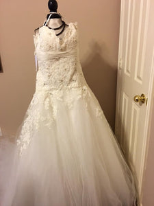 JLM Couture Alvina Valenta Floral & Tulle Wedding Dress - Alvina Valenta - Nearly Newlywed Bridal Boutique - 1