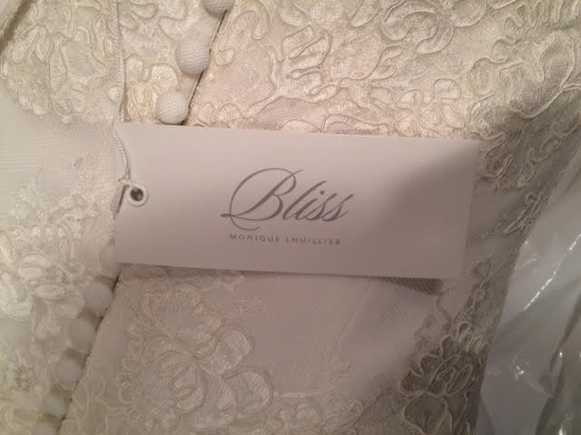 Monique Lhuillier 'Bliss' - Monique Lhuillier - Nearly Newlywed Bridal Boutique - 9