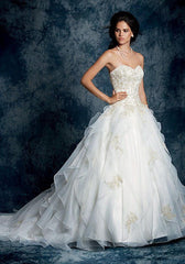 Alfred Angelo 'Sapphire' size 4 sample wedding dress front view on model