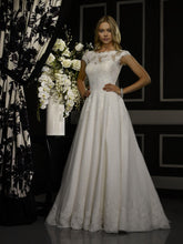 Load image into Gallery viewer, Robert Bullock 'Amaris' size 4 used wedding dress front view on model