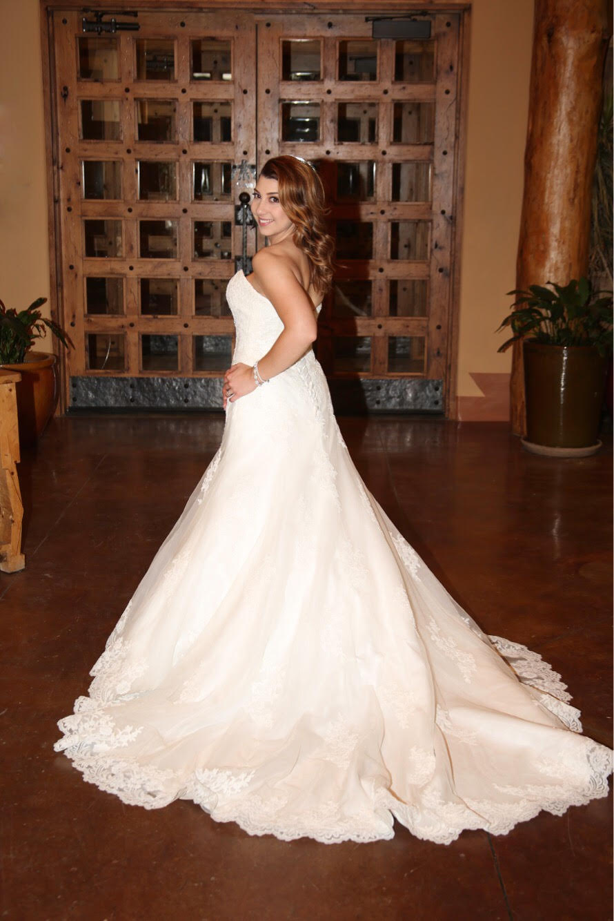 Alfred Angelo '2438' size 4 used wedding dress side view on bride