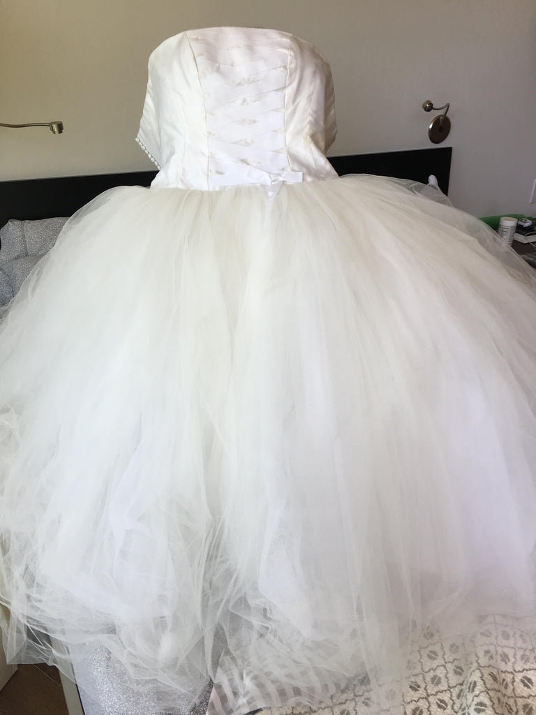 Richard Glasgow 'Tulle' size 8 used wedding dress front view