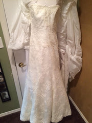 Monique Lhuillier 'Bliss' - Monique Lhuillier - Nearly Newlywed Bridal Boutique - 10