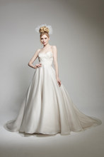 Load image into Gallery viewer, Matthew Christopher 'Abigail' size 12 used wedding dress front view on model