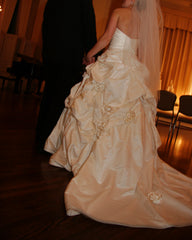 Monique Lhuillier 'Camelot' size 8 used wedding dress side view on bride