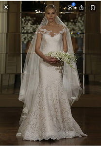 Romona Keveza 'L5101' size 2 used wedding dress front view on model