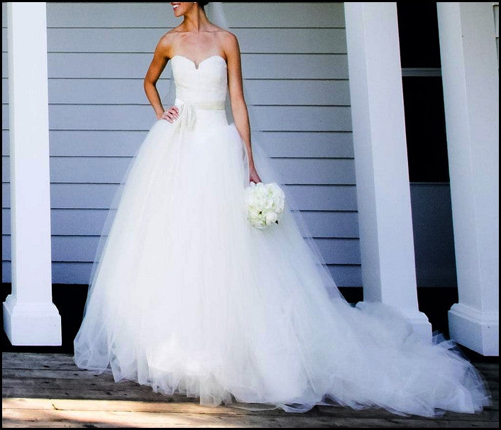 Vera Wang 'Bride Wars' - Vera Wang - Nearly Newlywed Bridal Boutique - 4