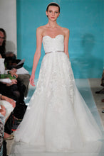 Load image into Gallery viewer, Reem Acra 'Heavenly Lace' - Reem Acra - Nearly Newlywed Bridal Boutique - 2