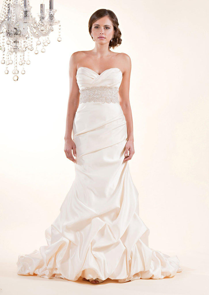 Winnie Couture 'Katarina' Wedding Dress - Winnie Couture - Nearly Newlywed Bridal Boutique - 1