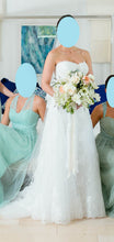 Load image into Gallery viewer, Monique Lhuillier 'Treasure' - Monique Lhuillier - Nearly Newlywed Bridal Boutique - 3