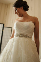 Pronovias 'A Line' size 4 used wedding dress front view on bride