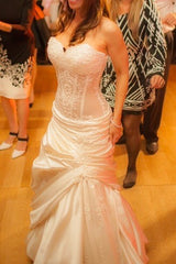 Pnina Tornai '6' size 2 used wedding dress front view on bride