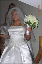 Load image into Gallery viewer, Melissa Sweet 'White' - Melissa Sweet - Nearly Newlywed Bridal Boutique - 1