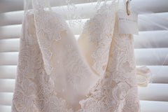 Amy Kuschel 'Monroe' size 0 new wedding dress close up of bodice