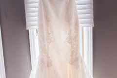 Amy Kuschel 'Monroe' size 0 new wedding dress view of body of dress