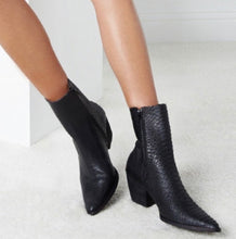 Load image into Gallery viewer, Black caty bootie