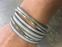 Load image into Gallery viewer, Bracelet Grey and Gold