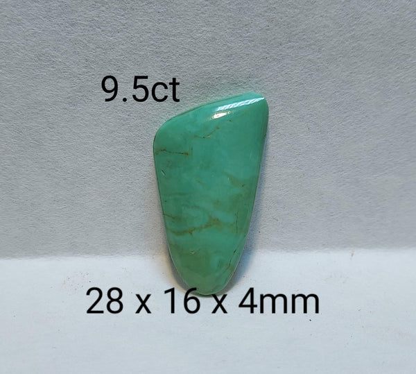 9.5 ct Cochise county freeform green turquoise cabochon - Brighton Gemstones