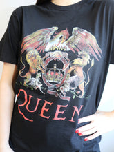 Load image into Gallery viewer, Queen Graphic Band Tee