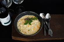 Load image into Gallery viewer, Hearty Farmhouse Chicken Soup 800g