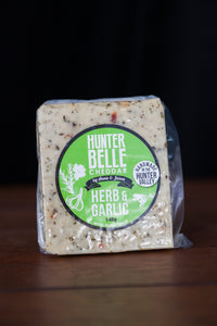 Hunter Belle Herb & Garlic Cheddar Cheese 140g