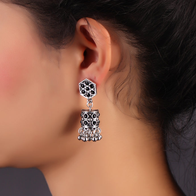 Charming Lady Silver Oxidized Earrings With Black Rhinestones