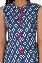 Load image into Gallery viewer, blue-sleeveless-daabu-print-kurta