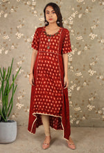 Load image into Gallery viewer, Maroon Printed Hi-Low Kurti
