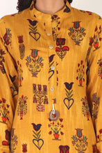 Load image into Gallery viewer, Yellow Floral Print Kurta