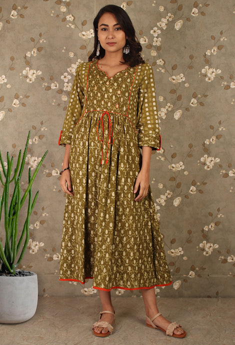 Green dabu Printed gathered Kurti