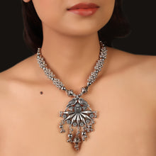 Load image into Gallery viewer, The Panchi Silver Statement Necklace