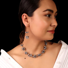 Load image into Gallery viewer, The Magical Crystal Necklace Set In Metal Grey