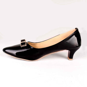 A Neat Bow Kitten Heels in Black