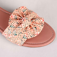 Load image into Gallery viewer, Bonita Fabric Flats With Floral Print