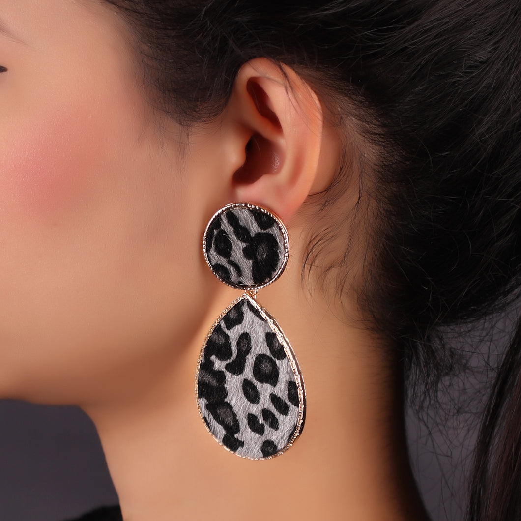 Leopard Print Tear Drop Earrings In Grey