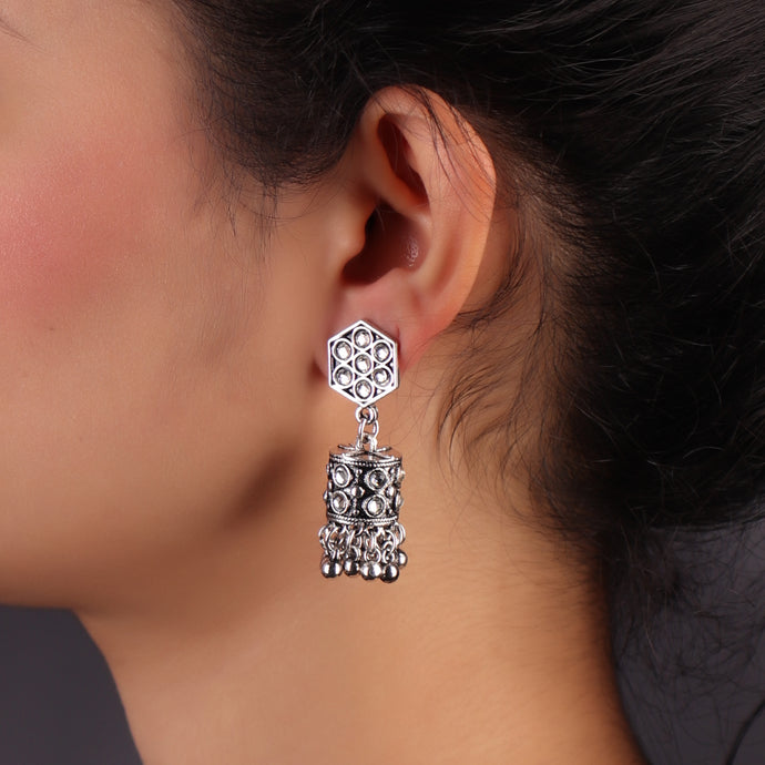 Charming Lady Silver Oxidized Earrings With White Rhinestones