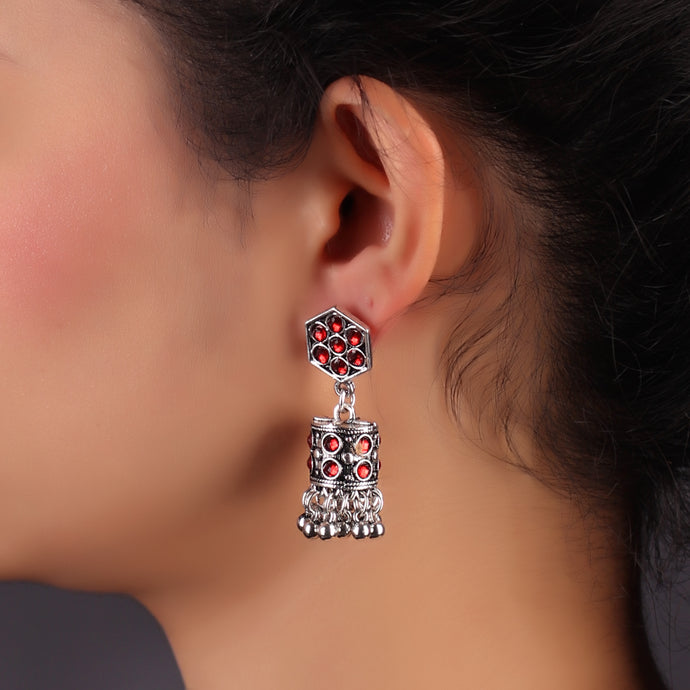 Charming Lady Silver Oxidized Earrings With Red Rhinestones