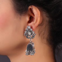 Load image into Gallery viewer, Gray Hermosa Earrings