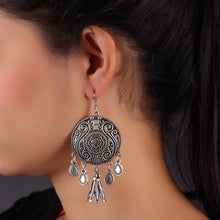 Load image into Gallery viewer, Silver Circular Drop Earrings