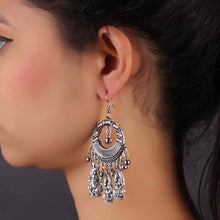 Load image into Gallery viewer, Silver Traditional Drop Earrings
