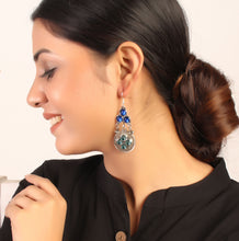 Load image into Gallery viewer, Tinkling Trio Earrings