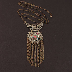 Crescent Frill Affair Necklace