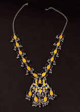 Load image into Gallery viewer, Lehariya yellow necklace